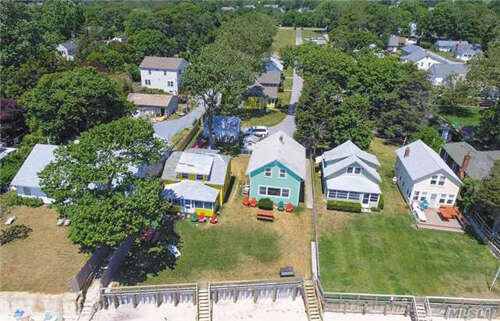 Single Family for Sale at 18 Peconic Bay Blvd Jamesport, New York 11947 United States