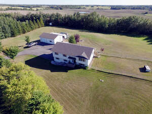Featured Property in Parkland County, AB T7Z 1X4