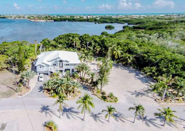 Single Family for Sale at 343 Stirrup Key Blvd. Marathon, Florida 33050 United States