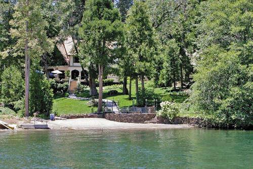 Single Family for Sale at 27802 Hamiltair Drive Lake Arrowhead, California 92352 United States