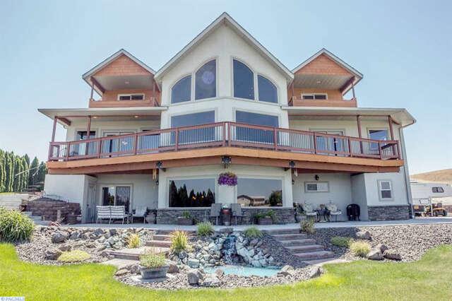 Single Family for Sale at 851 Bombing Range Rd West Richland, Washington 99353 United States