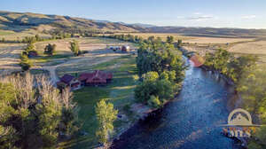 Featured Property in Absarokee, MT 59001