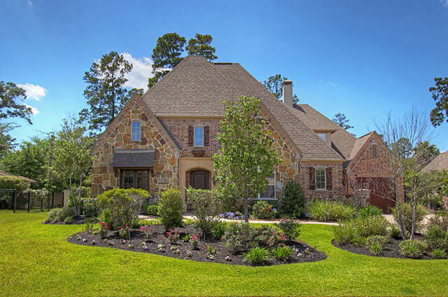 Single Family for Sale at 34 N Player Manor Circle Spring, Texas 77382 United States
