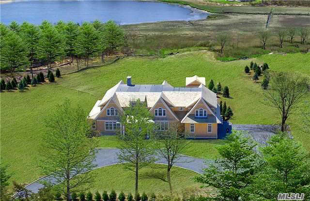 Single Family for Sale at 22 Bay Rd Quogue, New York 11959 United States
