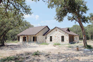 Featured Property in La Vernia, TX 78121