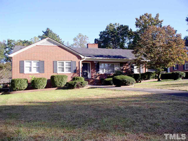 Featured Property in WARRENTON, NC, 27589
