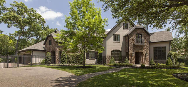 Single Family for Sale at 2 Hedwig Shadows Houston, Texas 77024 United States