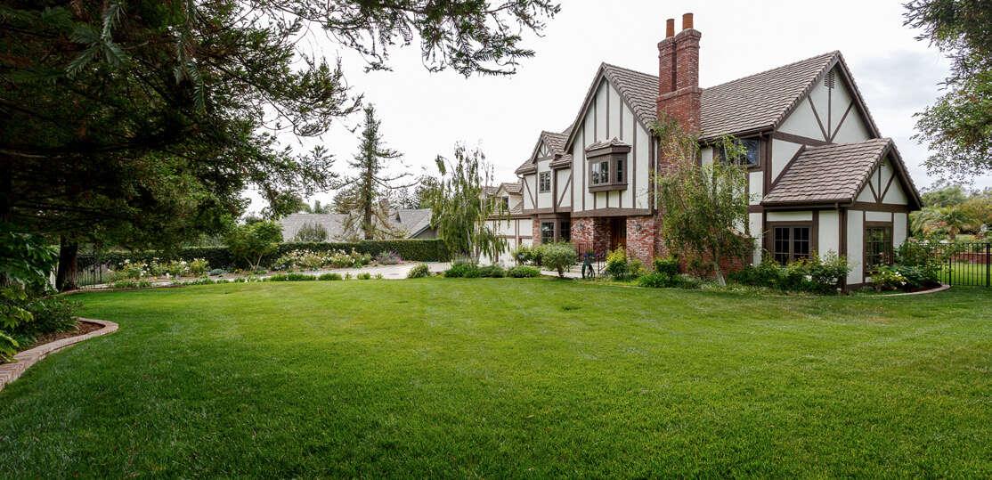 Single Family for Sale at 75 La Patera Drive Camarillo, California 93010 United States