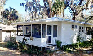 Featured Property in McIntosh, FL 32664