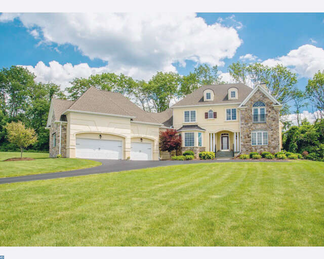 Single Family for Sale at 2710 Imperial Crest Lane Hellertown, Pennsylvania 18055 United States