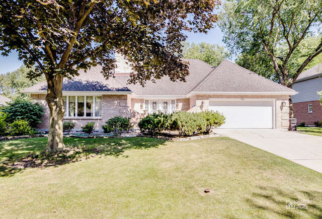 Single Family for Sale at 7621 Ridgewood Lane Burr Ridge, Illinois 60527 United States