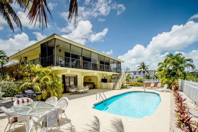 Single Family for Sale at 220 15th Circle Key Colony Beach, Florida 33051 United States