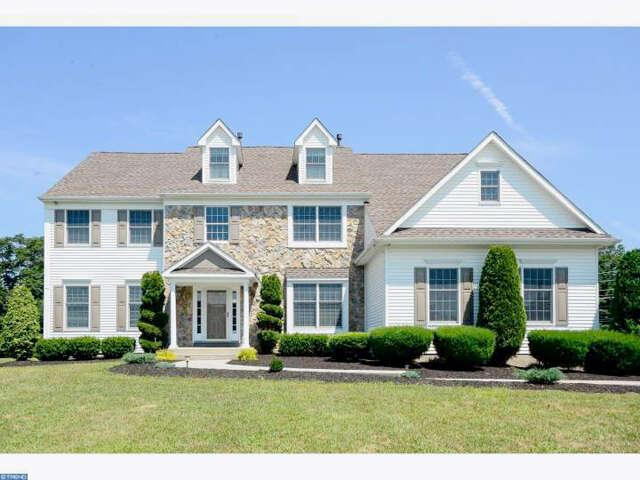 Single Family for Sale at 2 Amberwood Ln Lumberton, New Jersey 08048 United States