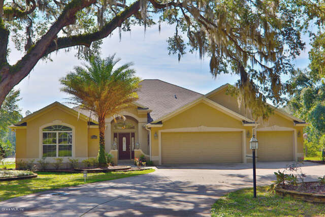 Single Family for Sale at 17289 SE 165th Avenue Weirsdale, Florida 32195 United States