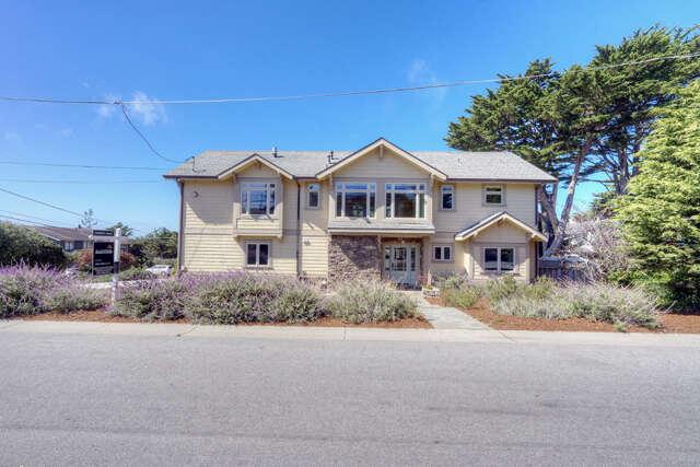 Single Family for Sale at 205 Farallone Ave Montara, California 94037 United States