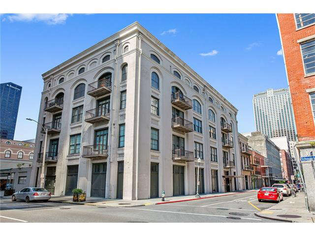Single Family for Sale at 416 Common Street 5/6 New Orleans, Louisiana 70130 United States