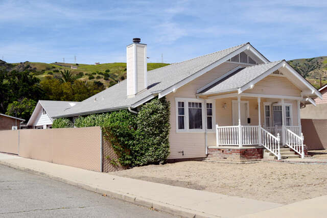 Single Family for Sale at 363 3rd St. Fillmore, California 93015 United States