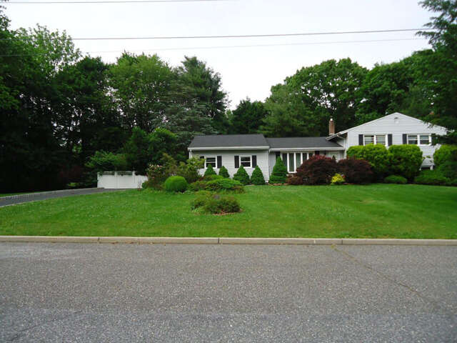 Single Family for Sale at 37 Delwood Lane Tinton Falls, New Jersey 07724 United States