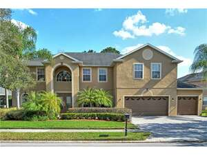 Featured Property in Oviedo, FL 32766