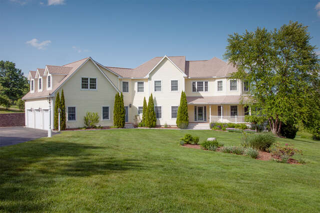 Single Family for Sale at 83 Beech Hill Road Exeter, New Hampshire 03833 United States