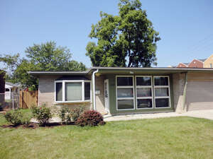 Featured Property in Brookfield, IL 60513