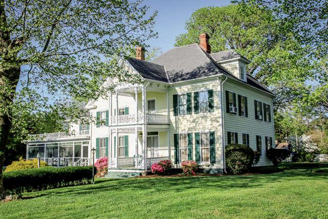 Single Family for Sale at 74 Cedardale Lane Irvington, Virginia 22480 United States