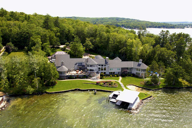 Single Family for Sale at 296 Edgewater Drive Gilford, New Hampshire 03249 United States