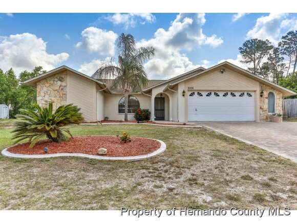 Featured Property in SPRING HILL, FL, 34606