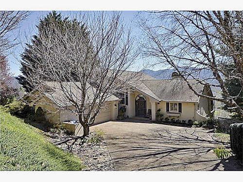 Single Family for Sale at 526 Laurel Ridge Drive Waynesville, North Carolina 28786 United States