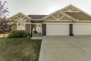 Featured Property in Lacombe, AB T4L 0G4