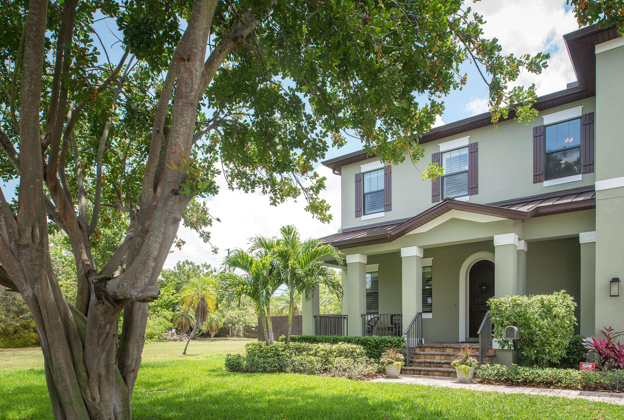 Single Family for Sale at 165 Ramon Way NE St. Petersburg, Florida 33704 United States