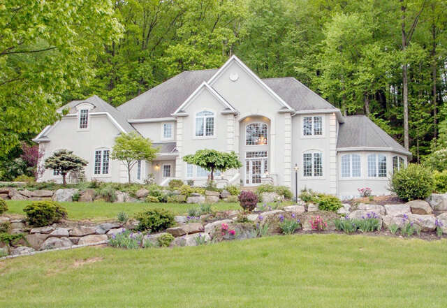Single Family for Sale at 1975 Augusta Drive Center Valley, Pennsylvania 18034 United States