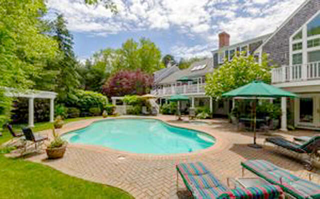 Single Family for Sale at 405 Baxters Neck Road Marstons Mills, Massachusetts 02648 United States