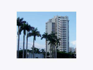 Featured Property in Miami Beach, FL 33140