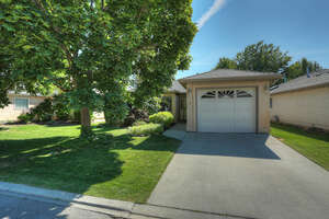 Featured Property in Kelowna, BC V1V 1N9
