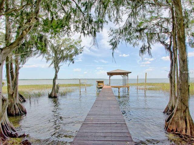 Single Family for Sale at 2930 Porto Bello Avenue Leesburg, Florida 34748 United States