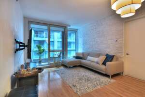 Featured Property in Montreal, QC H2L 0C5