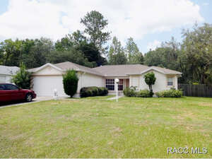 Featured Property in Citrus Springs, FL 34434