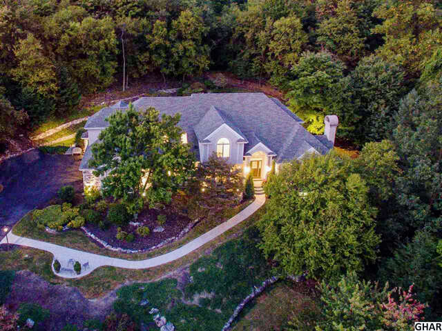 Single Family for Sale at 4725 Rock Ledge Drive Harrisburg, Pennsylvania 17110 United States