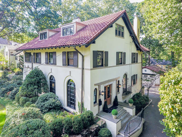 Single Family for Sale at 141 Oak Ridge Ave Summit, New Jersey 07901 United States