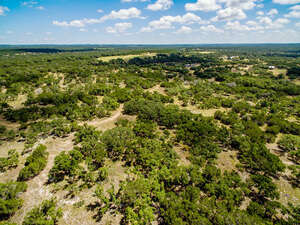 Featured Property in Hondo, TX 78861
