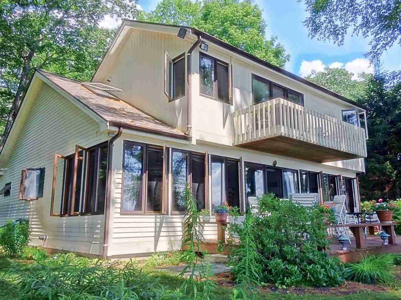 Single Family for Sale at 7 Brewster Road Tuftonboro, New Hampshire 03816 United States
