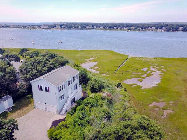 Single Family for Sale at 62 Oak Grove Avenue East Falmouth, Massachusetts 02536 United States