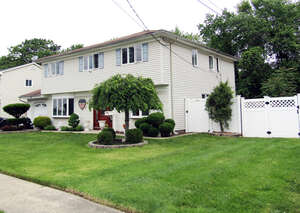 Featured Property in Hazlet, NJ 07730