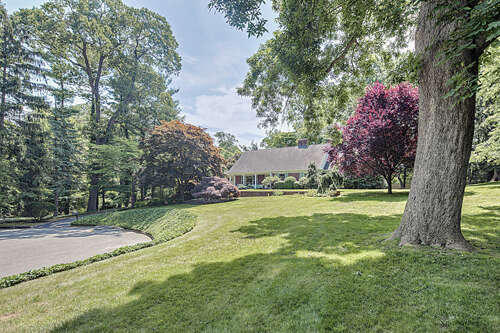 Single Family for Sale at 2 Van Circle Rumson, New Jersey 07760 United States