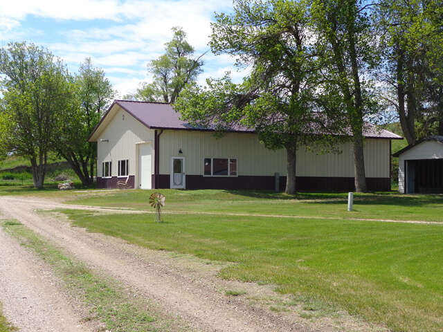 Investment for Sale at 10983 Redwater Road Belle Fourche, South Dakota 57717 United States
