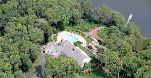 Single Family for Sale at 346 Starboard Lane Osterville, Massachusetts 02655 United States