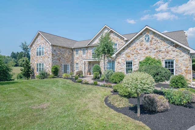 Single Family for Sale at 1016 Hilltop Court Leesport, Pennsylvania 19533 United States