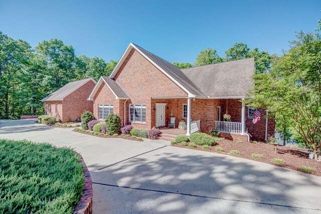 Single Family for Sale at 128 Ridgecrest Drive Cherryville, North Carolina 28021 United States