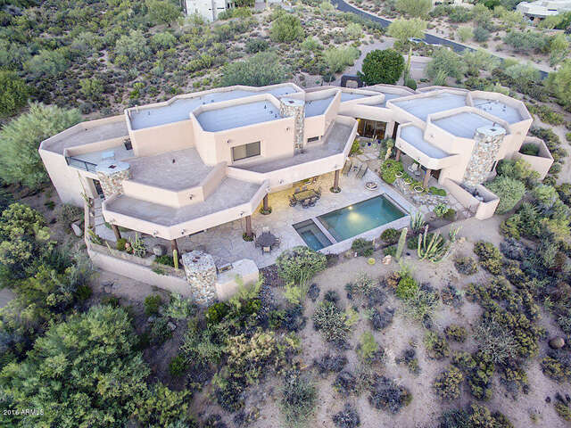 Featured Property in SCOTTSDALE, AZ, 85262